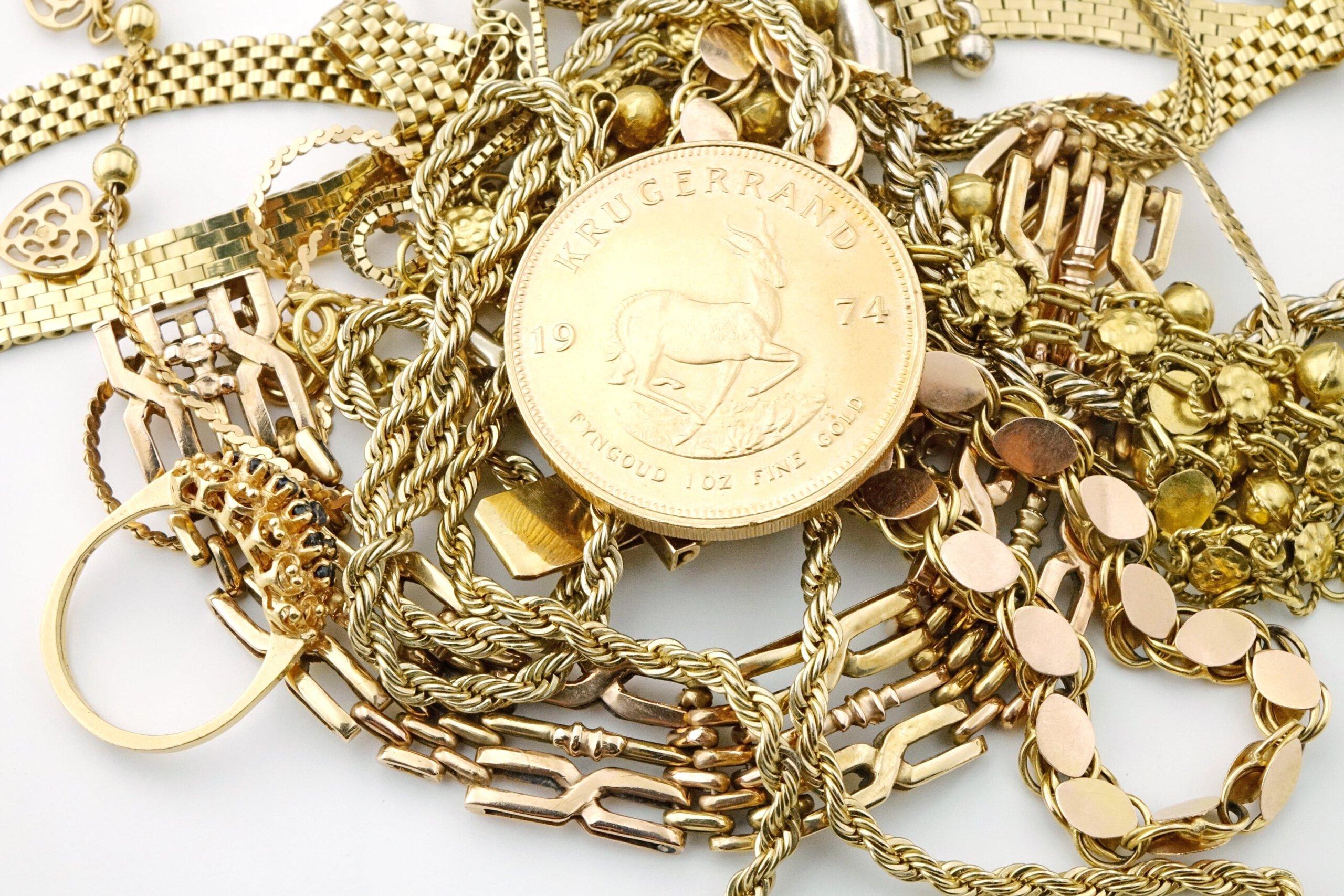 Goldschmuck mit Goldmuenze
